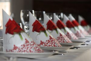 table-settings-873232_1920-300x200